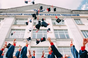 étudiants de bts diplômés