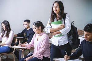 étudiante en classe de bts gpme
